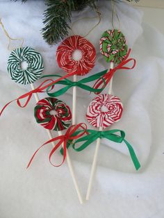 Lollipop Ornaments from Fabric YoYos--Set of 5. $15.00, via Etsy. I would add a button in the middle of the yo yo.