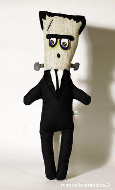Frankenstein muñeco tela fieltro halloween tornilos negro verde miedo terror gris monstruo