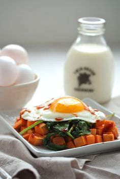 Sweet Potato Spinach Breakfast Hash - 3 ingredients and a super healthy way to start the day! Make ahead for a week's worth of weekday break...