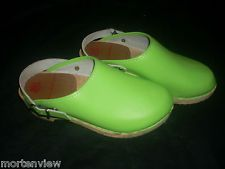 WOMENS GIRLS LIME GREEN LEATHER HANNA ANDERSSON CLOGS SIZE 35 US 5