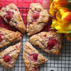 Creamy scones with strawberries
