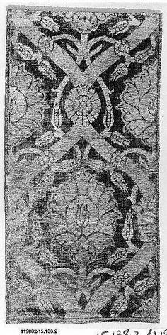 Fragment  Date:     16th century Geography:     Turkey Culture:     Islamic Medium:     Silk, metal thread