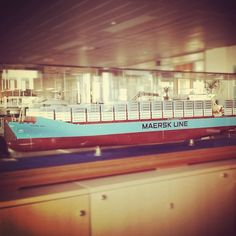 The Maersk Lima as a scale model – again.