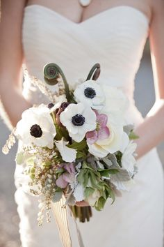 anemone wedding bouquet, #beach #elegant. Follow #Labola.co.za for more tips and trends
