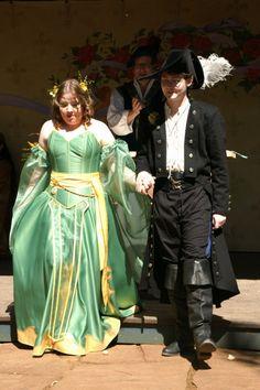 cats, wedding dressses, fashion, geek wedding, dresses, brides, the queen, blog, green weddings