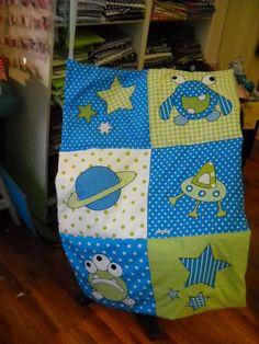 eine wunderschöne Krabbel-oder Spieldecke für unsere *kleinen Monster* ;o)