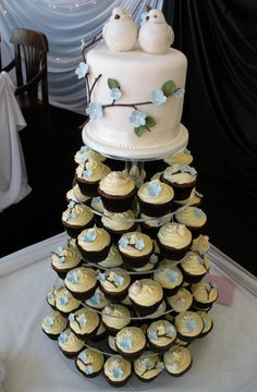 Nature Themed Wedding | These cupcakes matched the couples' beautiful nature themed wedding ...