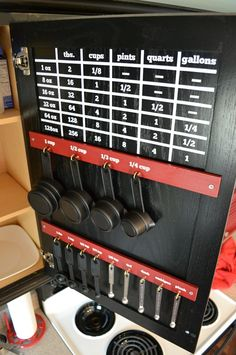 This kitchen measurement chart would be so handy while cooking! Plus it keeps things organized!