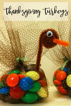 Thanksgiving DIY turkey table toppers. My kids love these candy turkeys each???