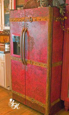 This is awesome - SK Sartell, Oregon Artist*Designer: SK's Fridge to Vintage Steamer Trunk