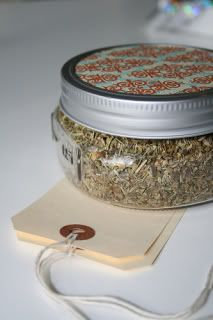10 Ideas for Homemade Spice Mixes to give as gifts