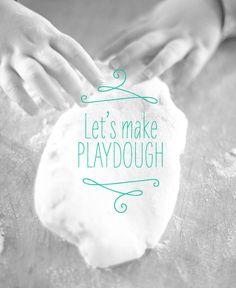 How to make homemade play dough / 100layercakelet.com