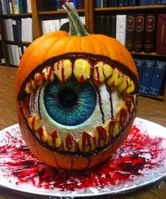 Would you put a #scary pumpkin like that on your porch? #Spooky #Halloween #EvilEye