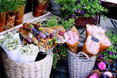 aesthesos:  flower market, bergen by hallovalerie on Flickr.