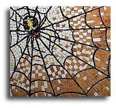 Spider mosaic table top | Artist: Wojtek Lucki           clever