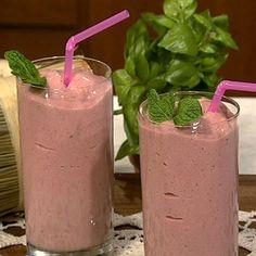 Daphne's Silky Strawberry Bikini Body smoothie. This smoothie has a ton of flavor without a ton of calories.