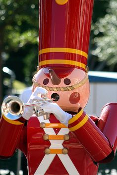 Disneyland Christmas Fantasy Parade disneyland christma, christmas time, christma fantasi, christma parad, toy soldier, drummer boy