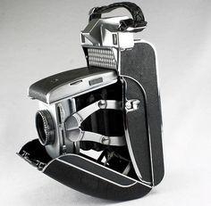 The folding clam shell Kodak Super Six 20