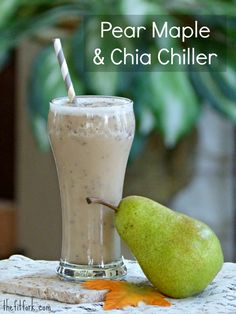 Pear Maple & Chia Chiller smoothie recipe brings together the flavors of fall in your blender! If you want extra protein, toss in a scoop of your favorite powder - perfect for a quick, healthy breakfast or to drink after a hard workout | thefitfork.com