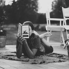 books, reader, life, john steinbeck, pearls, summer read, black white, thing, photographi