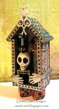 FRIENDS in ART: Skull and Chair Mini House