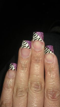 Airbrushed & solar nails.