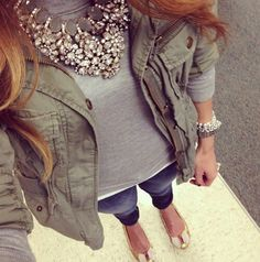 Bold feminine jewelry combined with a tough military jacket= classy & polished! Fashion, Statement Necklaces, Grey Sweater, Militari Jacket, Military Jacket Outfit, Grey Military Jacket, Bold Necklace Outfit, Classy Outfits Winter, Chunky Necklaces