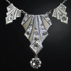 Art Deco Necklace. jewelry art, art deco jewelry, art deco jewellery, antique jewelry, diamond necklaces, white gold, artdeco, deco jewelri, art nouveau