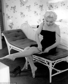 After a decade of modelling, Marilyn perfected the art of seduction for the cameras