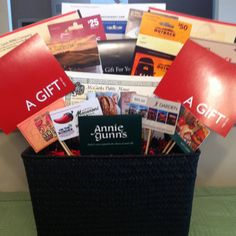Auction & Raffle Basket Idea: Gift card basket. Great for fundraisers! #Fundraising