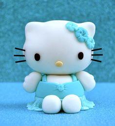 Hello Kitty Tutorial    http://www.facebook.com/notes/royal-bakery/kitty/522276667793638
