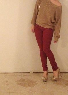 Gold sweater, red jeans. Christmas party outfit!