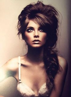 seriously gorgeous! my hair could never do this.