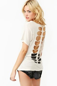 cut out the back of your knit tee this spring!