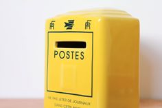 Tirelire publicitaire La Poste en céramique leshappyvintage.fr