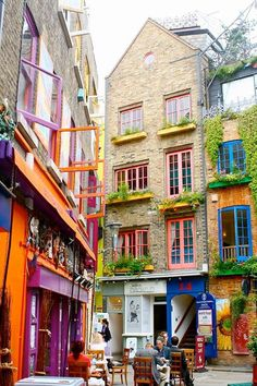 NEAL'S YARD  Tucked