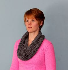 Crochet this cowl in 1 HOUR!! Perfect for beginners, no skills required.