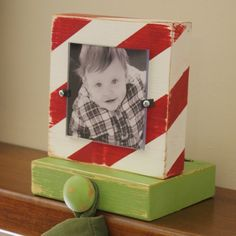 Stocking holders...love | http://green-collections.blogspot.com