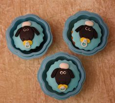 shaun the sheep cupcakes by The House of Cakes Dubai, via Flickr
