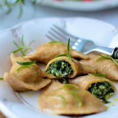 Whole wheat dumplings with spinach