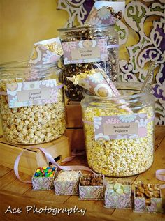 Alternatives to the Candy Bar Buffet: Personalized, Edible Wedding Favors | Nashville Wedding Guide for Brides, Grooms - Ashley's Bride Guide little boxes, candy buffet, wedding favors, candi, flavored popcorn, popcorn bar, snack, parti idea, bride groom