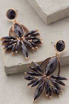 gorgeous navy earrings #anthrofave http://rstyle.me/n/red6ipdpe