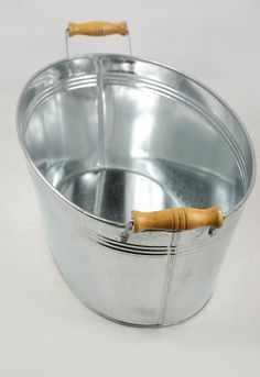 Galvanized 15 in. Oval Tub with Wood Handles $10; need new ones for drinks!