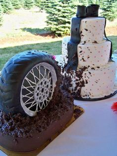 Tire Cake... who couldn't use a tire cake! LOL.. we sure like this one. www.hometownetire.com