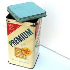 Saltines came in the tin. I remember my Grandma always kept her saltines in a premium tin.