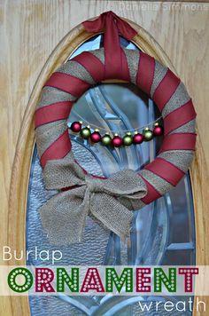 Burlap Christmas Wreath Tutorial #crafts #Christmas