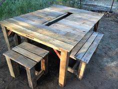 Rustic wood pallet ice chest wooden furniture pinterest - Fabriquer table jardin ...