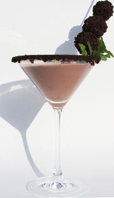 """Thin Mint Cocktail (Even a """"Mocktail"""" for a virgin version)"""
