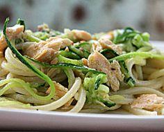 PASTA SALMONE E ZUCCHINE - Qui la #ricetta #BlogGz: http://blog.giallozafferano.it/loti64/pasta-salmone-e-zucchine/ #GialloZafferano #pasta #primopiatto #zucchine #salmone