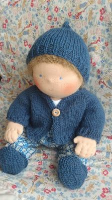 Nestled Under Rainbows: Free Waldorf Doll Clothes Knitting Patterns